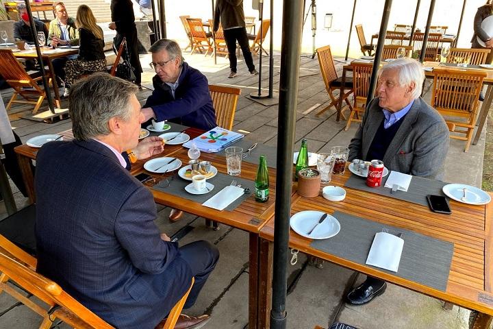 Alcaldes de la zona oriente reunidos en Vitacura
