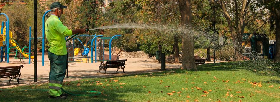 Vitacura mantención plazas y parque